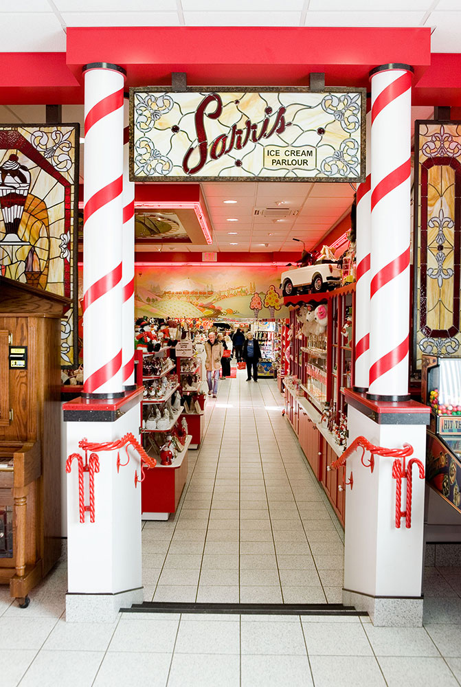 Sarris Candies - The Worlds Best Chocolates