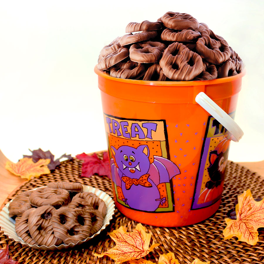 Halloween Mini Pretzel Pail